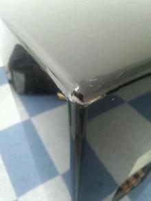 スピーカー角の傷